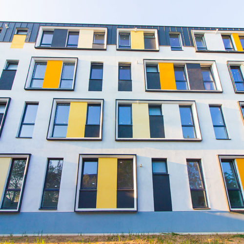Primul bloc de locuinte din ansamblul rezidential Parc Babes, garsoniere si apartamente 2 camere