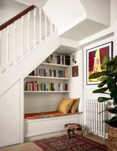 sfaturi pentru amenajare in stil modern spatiu de sub scari